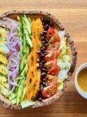 レインボーコブサラダ